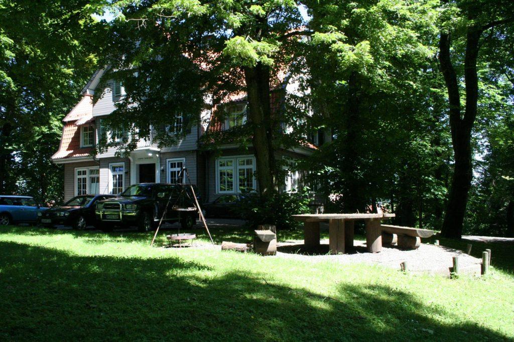 Unser Corpshaus mit Garten